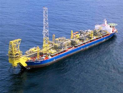 Eni seeking FPSO for billion-barrel Angola field