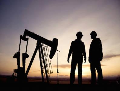 Oil_pumpjack_Workers