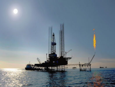 Iran announced an overhaul of its oil and gas contracts, introducing long-term stakes and profits for foreign investors.