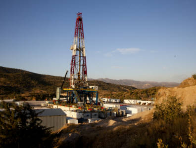 Brent records fifth consecutive gain