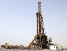 Oil cautious over signs of tightening supply