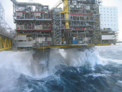Hurricane Ida halts US oil and gas production