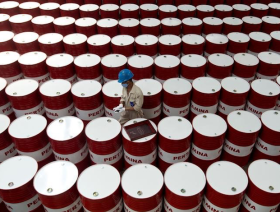 Oil down despite build in US supplies