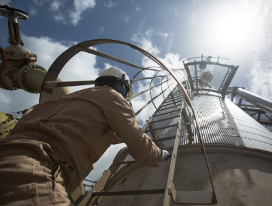 Iraq launches gas processing plant
